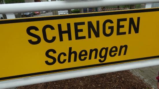 Fuori Schengen...quanto ci costa?